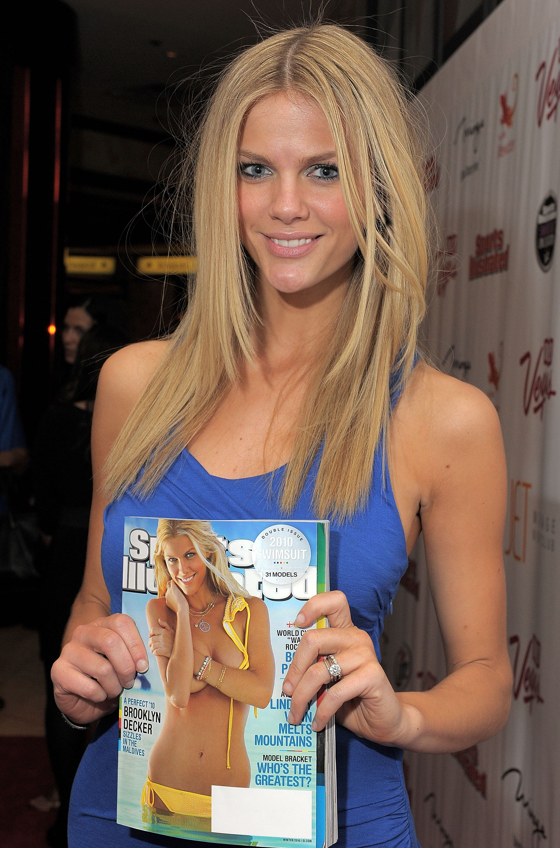 Brooklyn Decker 3 685 HQ-UHQ, Top Celebrity Pics DVD'S